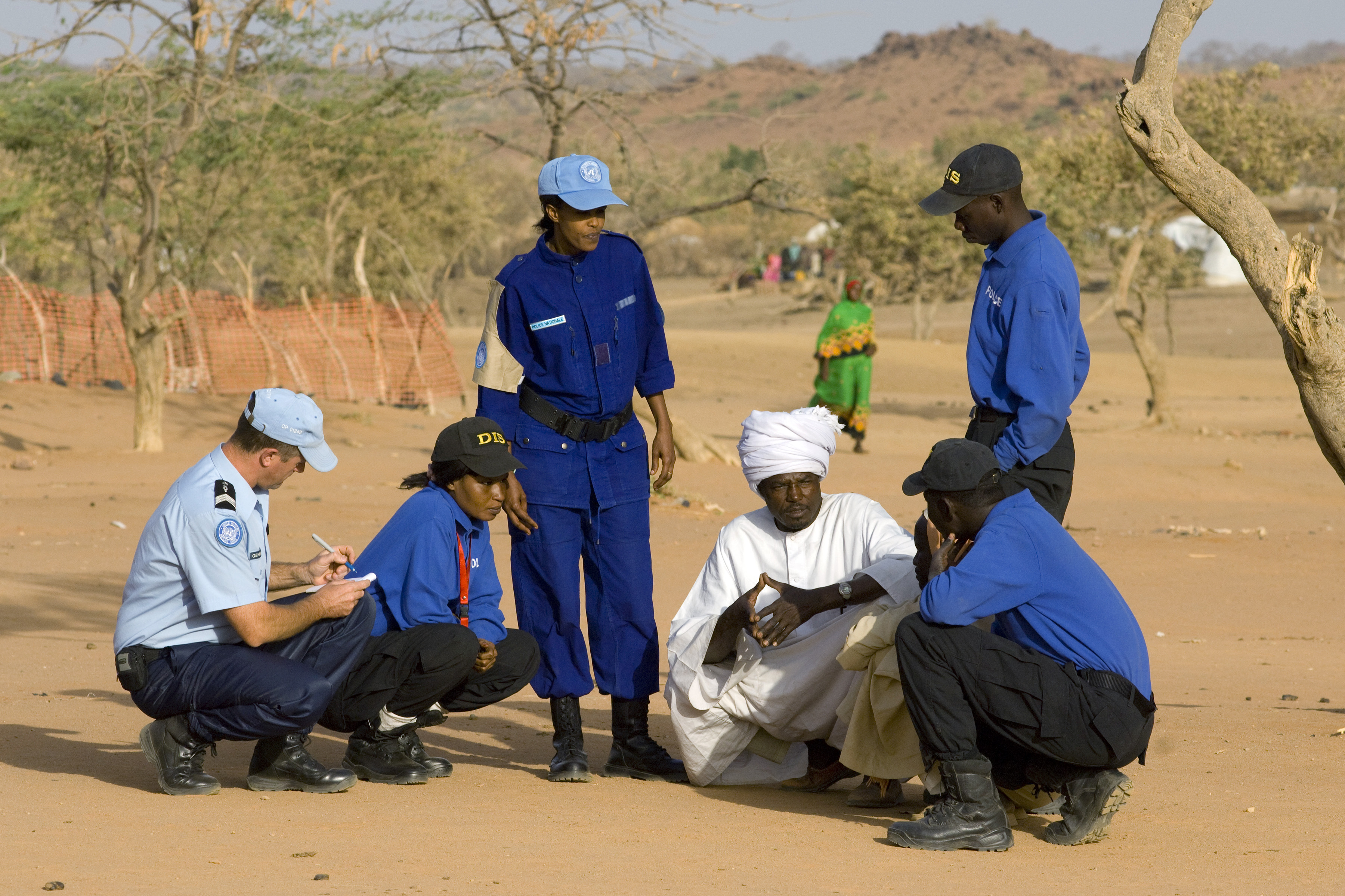 united nations field officer - HD3600×2400