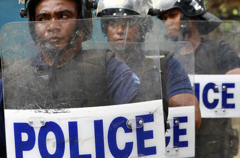 Timorese police officers perform a tactical demonstration exercise after a 3-week training by UN Police in UNMIT in August 2008. UN photo: Martine Perret