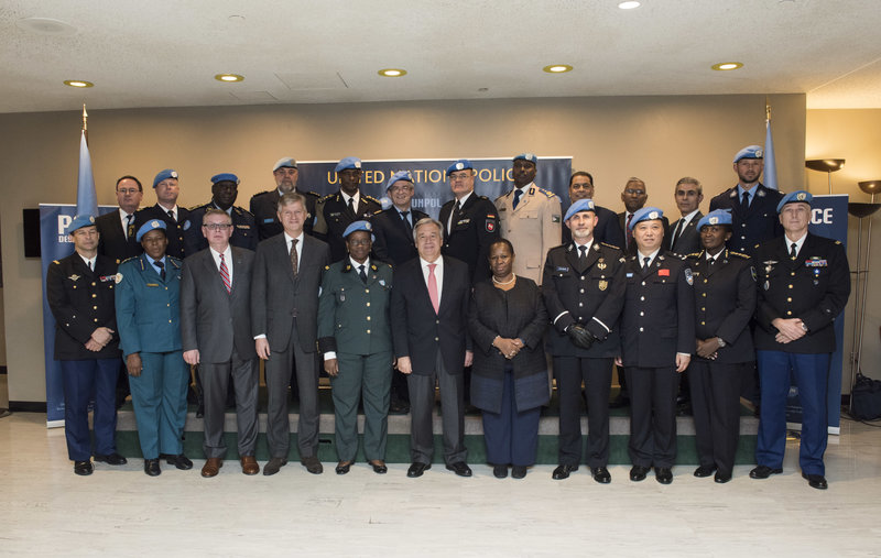 Secretary-General António Guterres (centre) meets with the Heads of United Nations Police (UNPOL) components on 9 November 2017. UN Photo/Kim Haughton